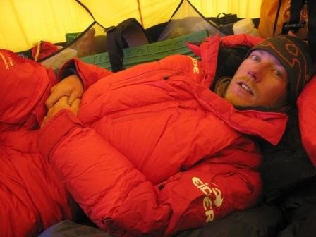 Arnold, gezellig in je tentje op 7000 meter