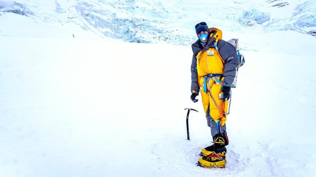 Roeland in zijn expeditie pak